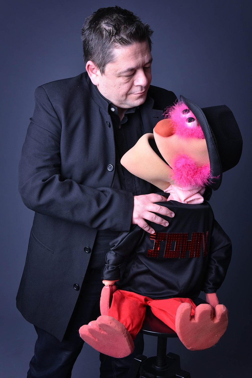 julien-rouge-ventriloque